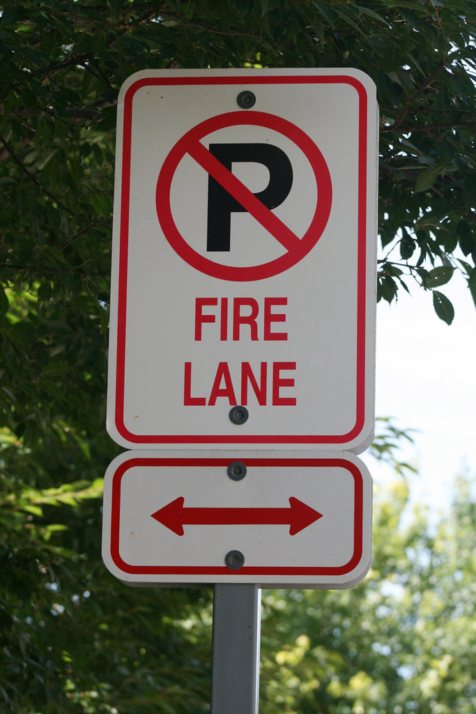 Fire Lane No Parking Sign Duluth, GA